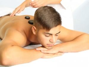Piedras calientes Naturopatía o Terapia Geodermal para estrés, la hiperactividad del sistema nervioso, nervios, ansiedad, insomnio y para el tratamiento del dolor.